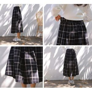 Dresses & Skirts - ❤️NWOT Plaid MIDI Skirt